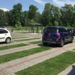 Waterdoorlatende parkeerplaatsen met een gemengde vulling klinkers / gazon (mei 2017)