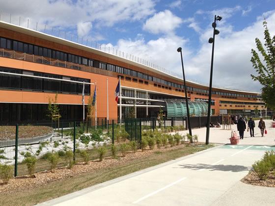 Parking de bâtiment à Haute qualité environnementale pour lycée écologique